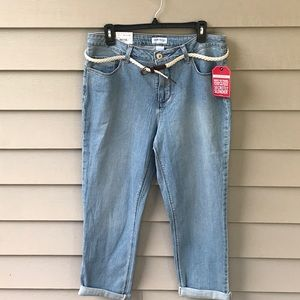 Very nice crop light wash jeans!  NWT. Size 12